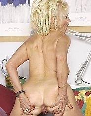Naughty old housewife fingering herself