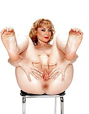 horniest amateur grannies strips and poses
