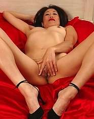 Hot mature asian lady has sexy body