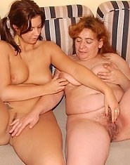 mature Sandie gets hot with babe Jennifer